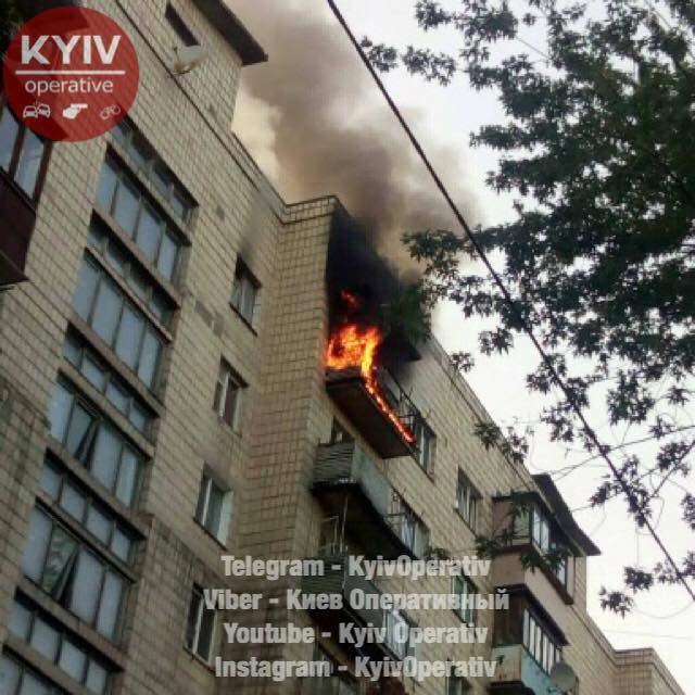 В Киеве мужчина с психическими расстройствами спалил свою квартиру (Фото)