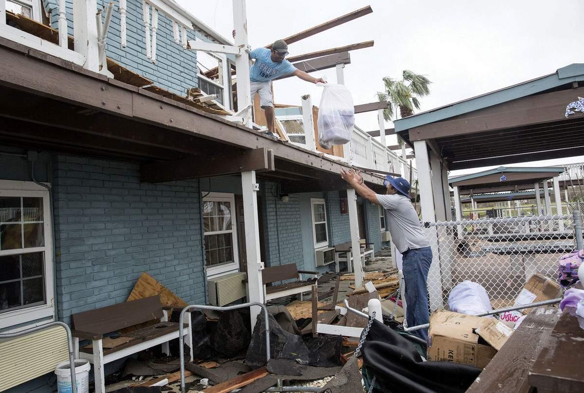 На ликвидацию последствий урагана