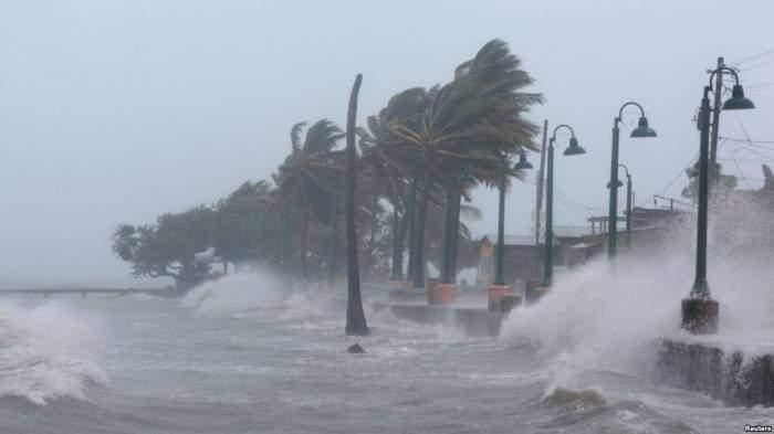 Майами накрыл страшный ураган (Видео)