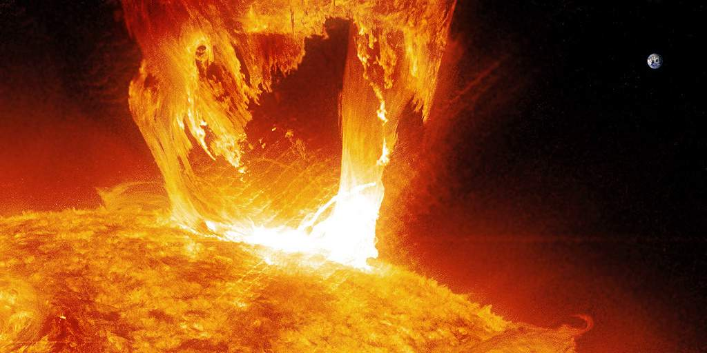 Мощные вспышки на Солнце еще впереди: магнитные бури возможны 12-13 сентября