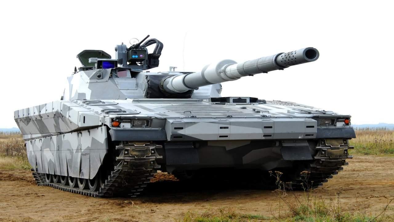 «Перемирие с боевой перспективой»: на Донбассе заметили десятки танков и мощной артиллерии