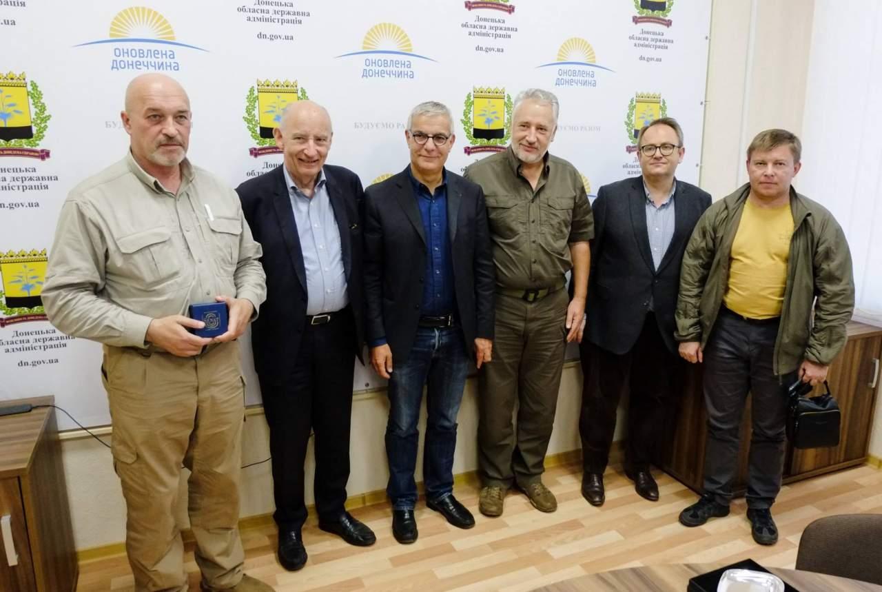 Жебриский обсудил пути завершения военных действий на Донбассе с сенаторами Франции (фото)