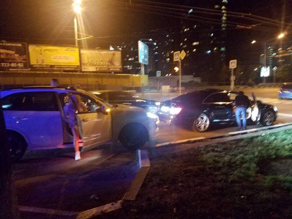В Харькове  «легковушка» сбила  парня: виновники скрылись с места, но прислали «титушек» (фото)