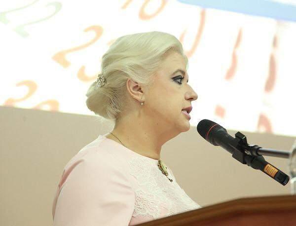 В самопровозглашённой «ДНР» за взятку задержали видную чиновницу (фото)