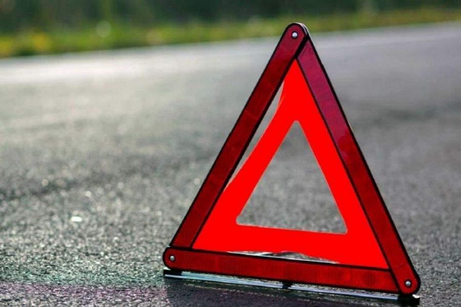 В столице бесстрашный пешеход попал под колеса авто (Видео)