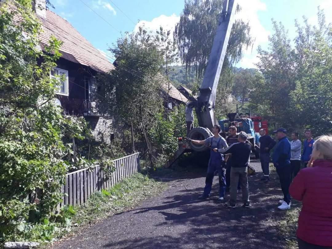 Воскресный ураган на Закарпатье: Часть населенных пунктов остается без электроэнергии (Фото)