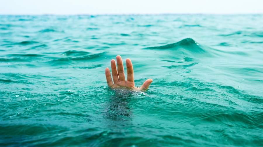 На Львовщине в озере был обнаружен труп мужчины
