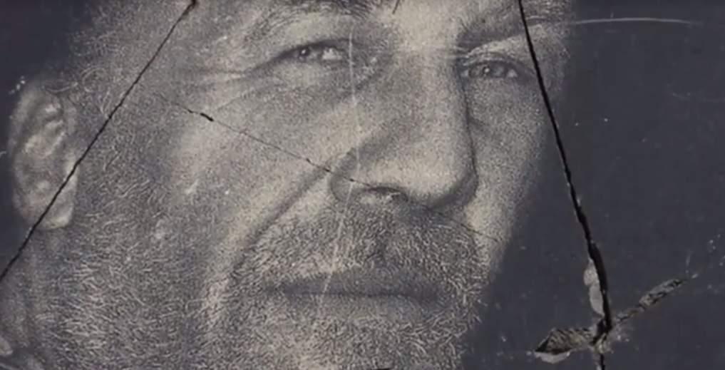 На Житомирщине неизвестные раскололи памятник добровольцу АТО