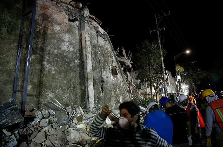 Мощное землетрясение в Мексике: Власти объявили трехдневный траур (Фото)