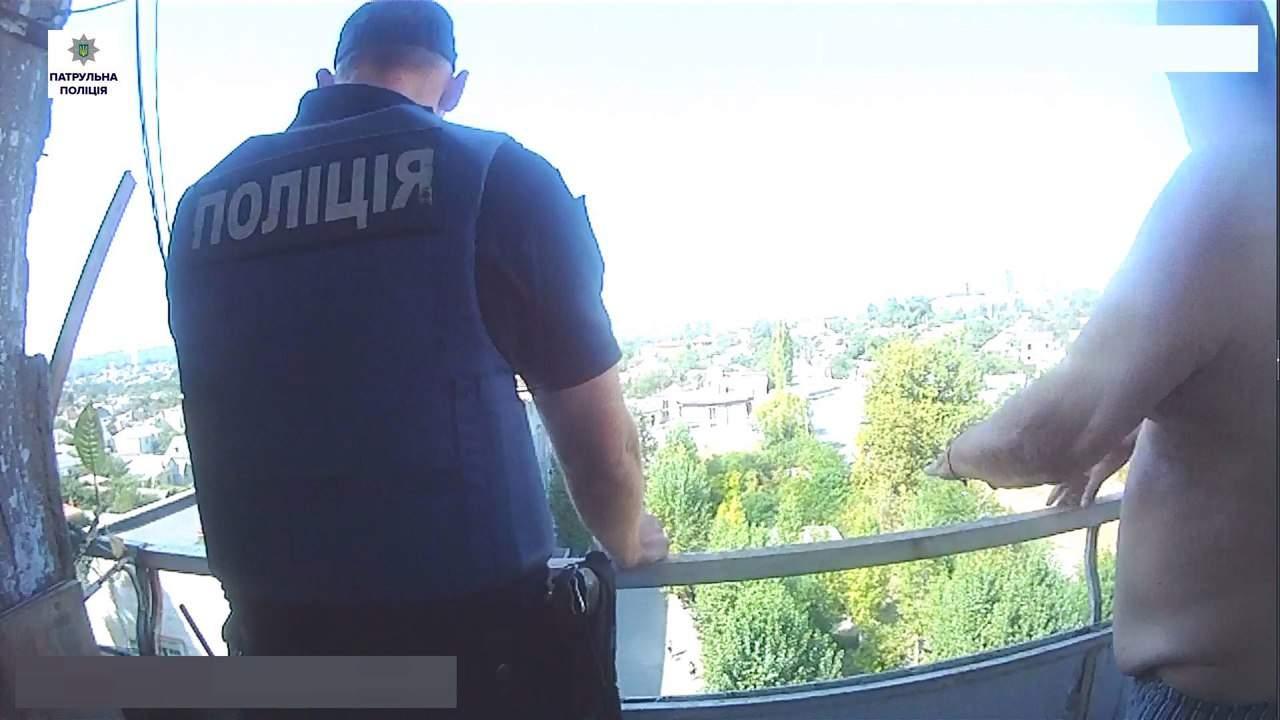 «Парное помешательство»: в Николаеве один местный житель стрелял в рабочих, а другой – «осыпал» прохожих кирпичами (фото)