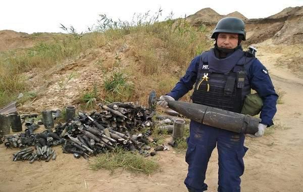 ГСЧС изъяла 150 боеприпасов на месте ликвидации пожара на складе под Мариуполем