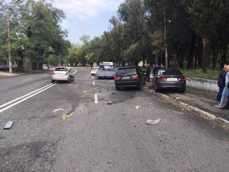 В Днепре автомобиль столкнулся с полицейским авто (фото)