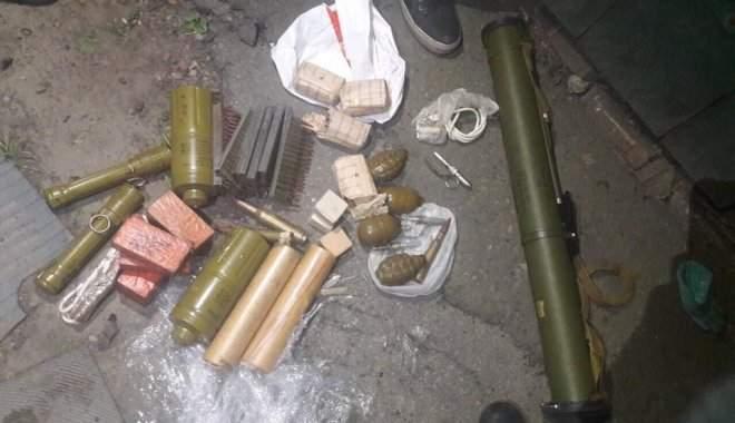 Харьковчанин незаконно хранил дома гранаты, детонаторы и патроны (Фото)