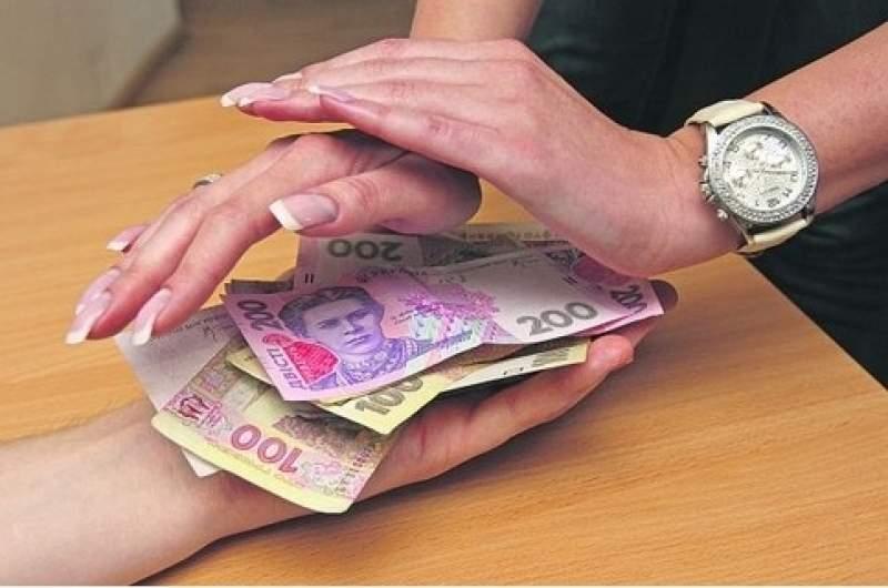 В Одессе директор школы  за 800 гривен