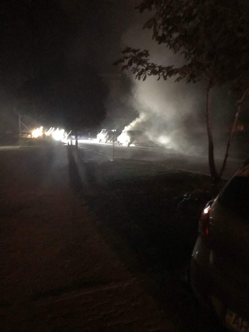 В Харькове возник пожар на оживлённом перекрёстке (фото)
