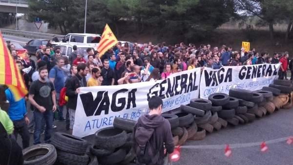 В Европарламенте призывают к мирному урегулированию вопроса Каталонии