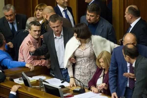 Турчинов заявил, что срыв голосования в ВР является сознательной провокацией