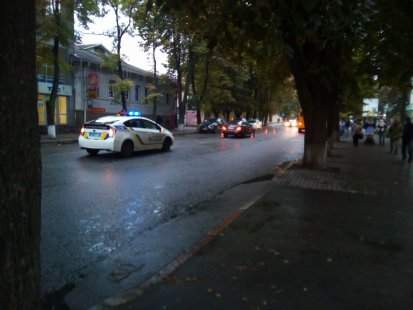 В Сумах пешеход в наушниках попал под колёса автомобиля