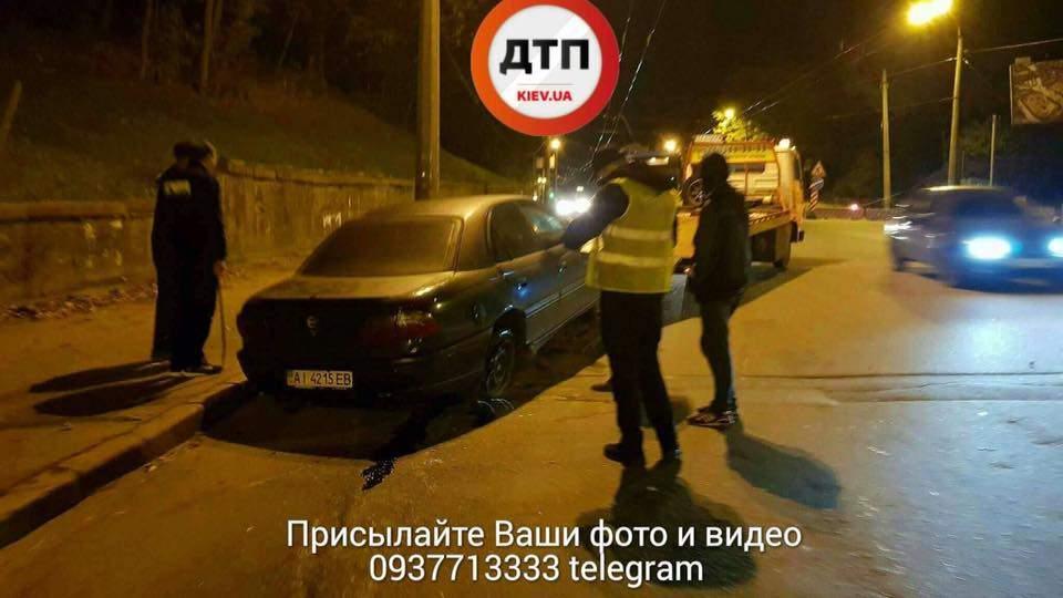 В Киеве на ремонтируемом участке дороги произошло серьезное ДТП (фото)