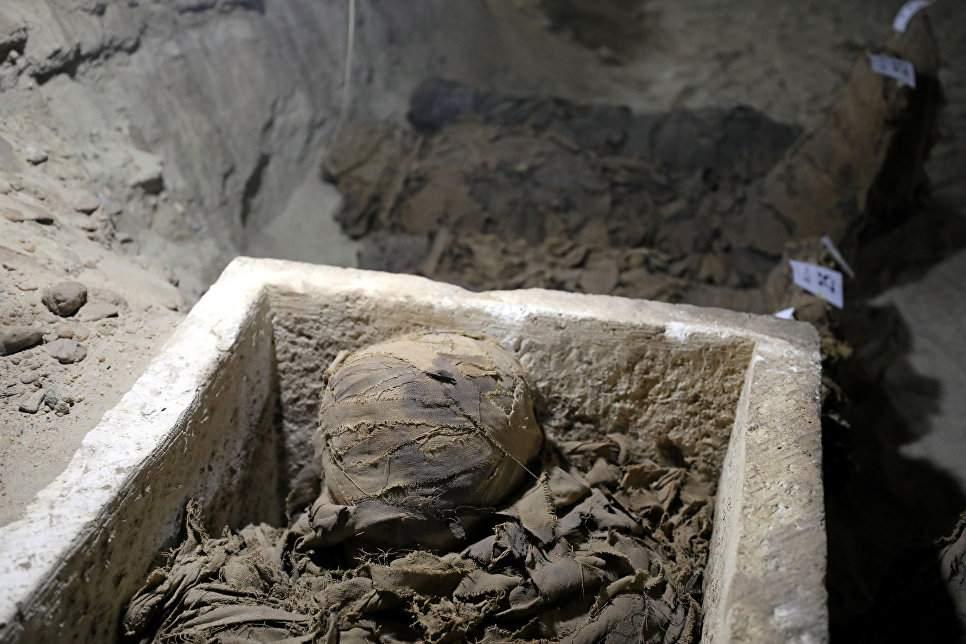 Египетские археологи нашли вход в неизвестную гробницу