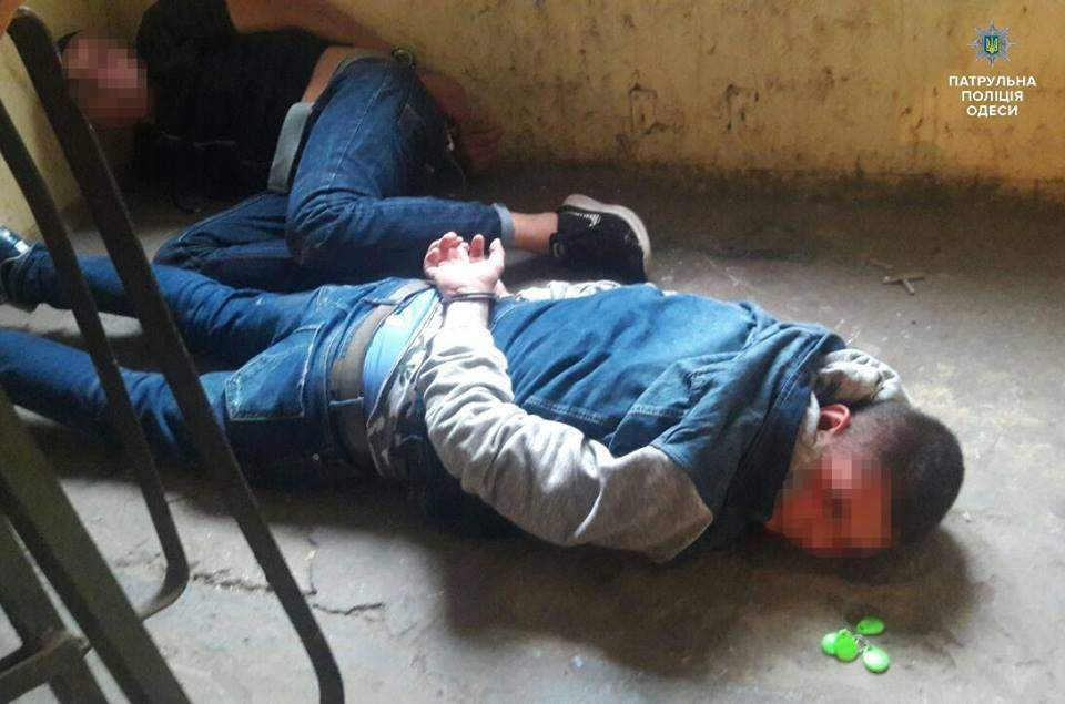 В Одессе патрульные предотвратили ограбление квартиры (Фото)