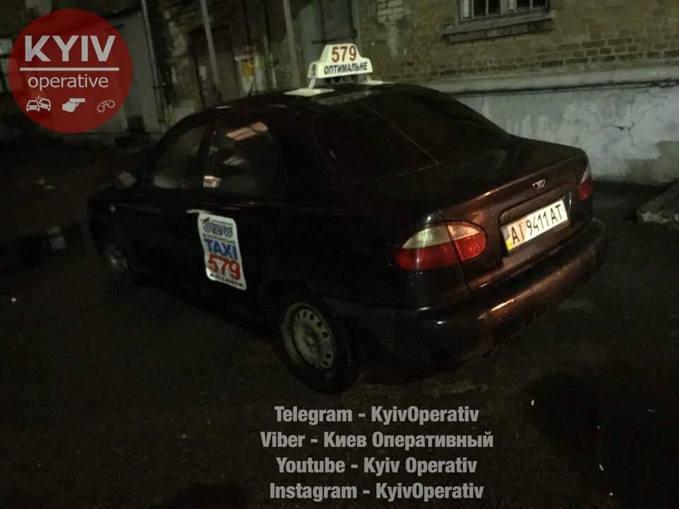 В столице таксист пытался съесть ключи от машины (Видео)