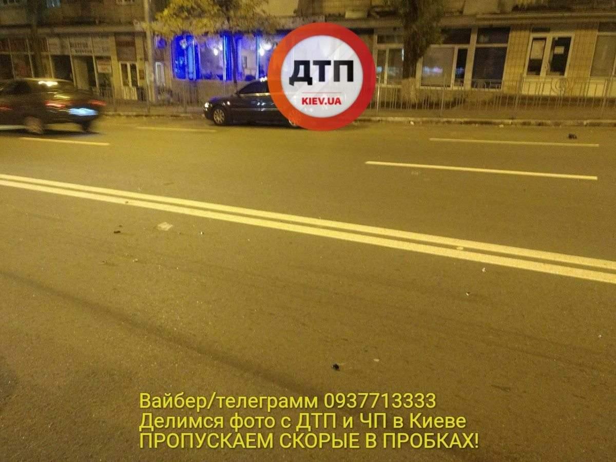 В Киеве в ДТП серьезно пострадал пешеход-нарушитель (фото)