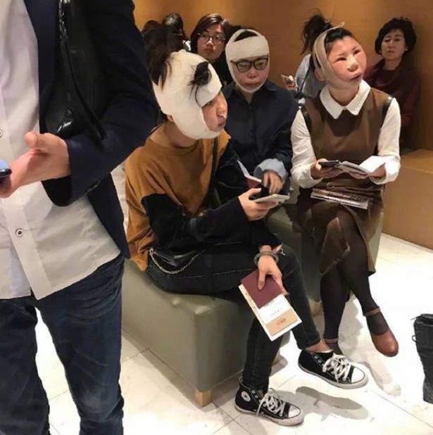 В следствии пластической хирургии трое китаянок не смогли доказать в аэропорту, что это они (фото)