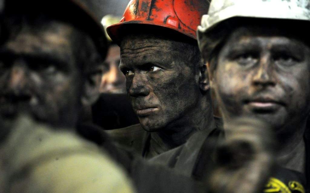 Горняки на Донбассе продолжают бастовать: Задолженность по зарплатам была погашена лишь частично