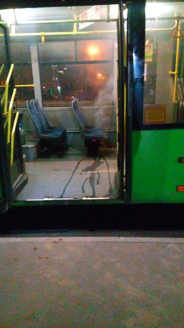 В Харькове на ходу загорелся троллейбус (Фото)