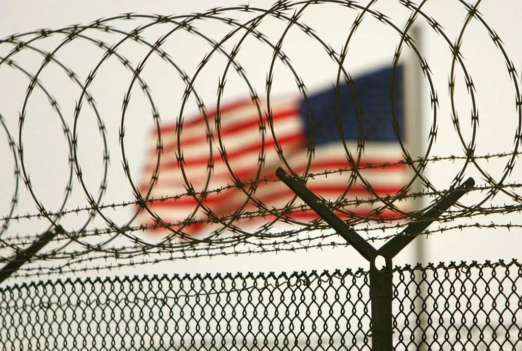 В США двое заключенных при попытке бегства убили двух охранников