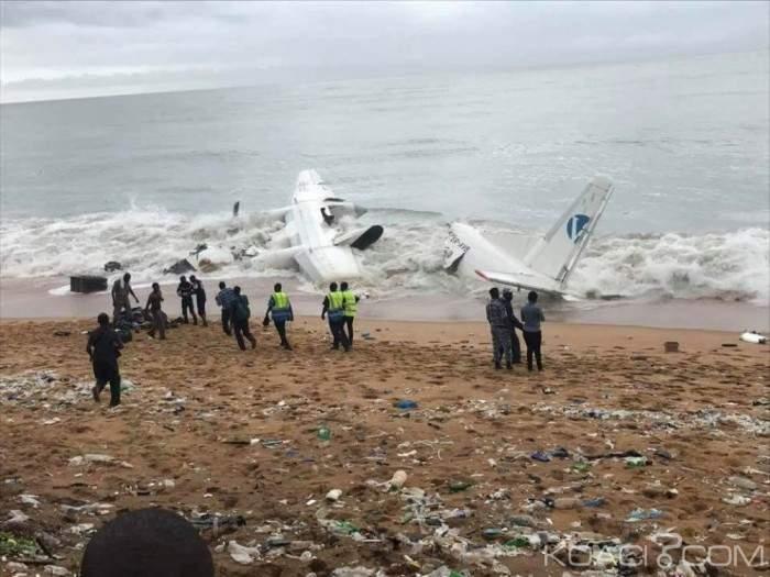 В Кот-д'Ивуаре потерпел крушение грузовой самолет украинской компании (фото)