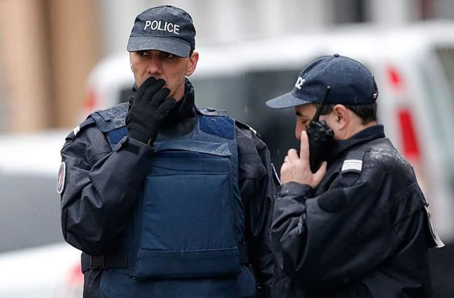 В столице Франции задержали десять правых экстремистов