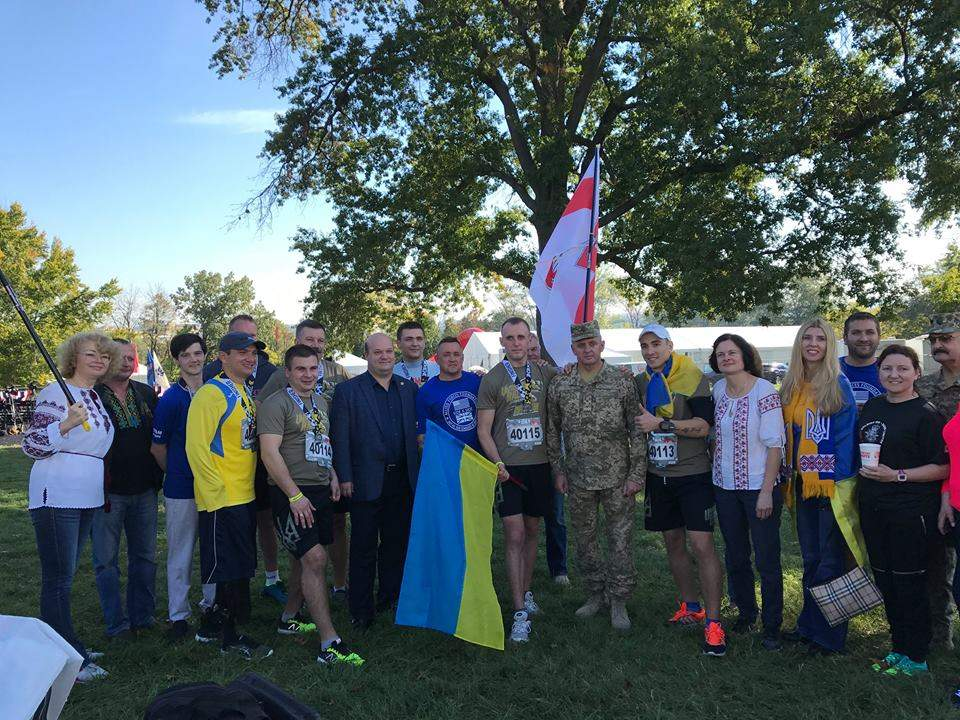 Порошенко поздравил украинских военных с победами на соревнованиях в США (Фото)