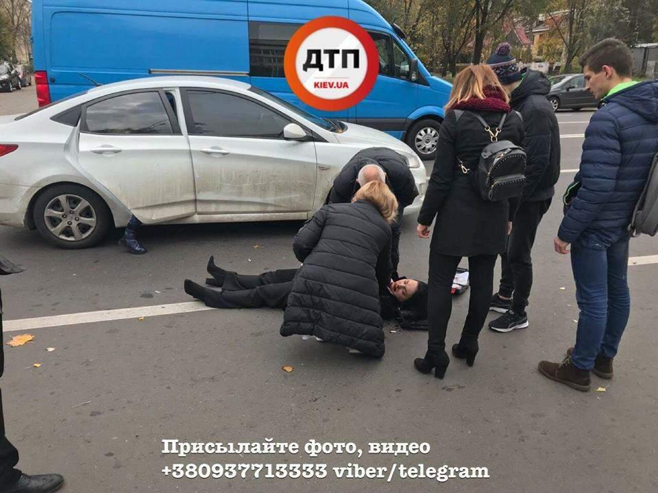 В столице на пешеходном переходе сбили женщину (Фото)