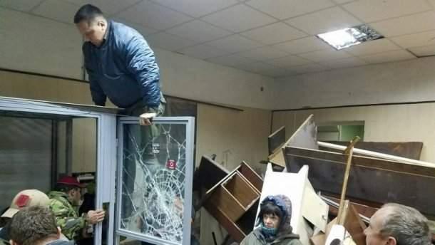 В Государственной судебной администрации оценили ущерб от погрома Святошинского суда