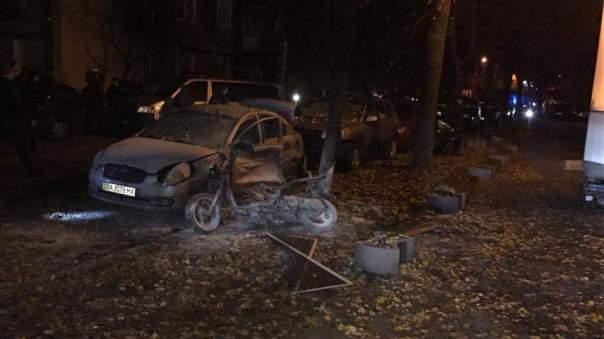 СМИ опубликовали шокирующее видео взрыва в Киеве (Видео)