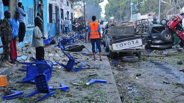 Стрельба и взрывы в Могадишо: По меньшей мере погибло 13 человек
