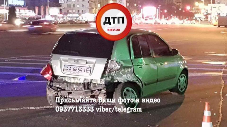 В Киеве произошло ДТП с участием полицейских. Есть пострадавшие (Фото)