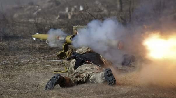 В зоне АТО продолжаются вестись обстрелы с пехотного вооружения