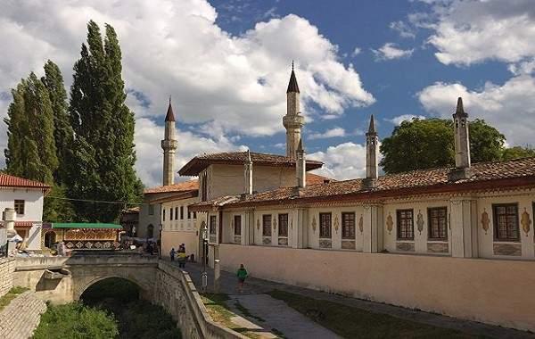 Ханский дворец в Бахчисарае перешел в собственность России