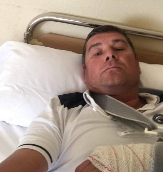 «Упал. Очнулся – гипс»: депутат Онищенко пострадал во время падения с лошади (фото)