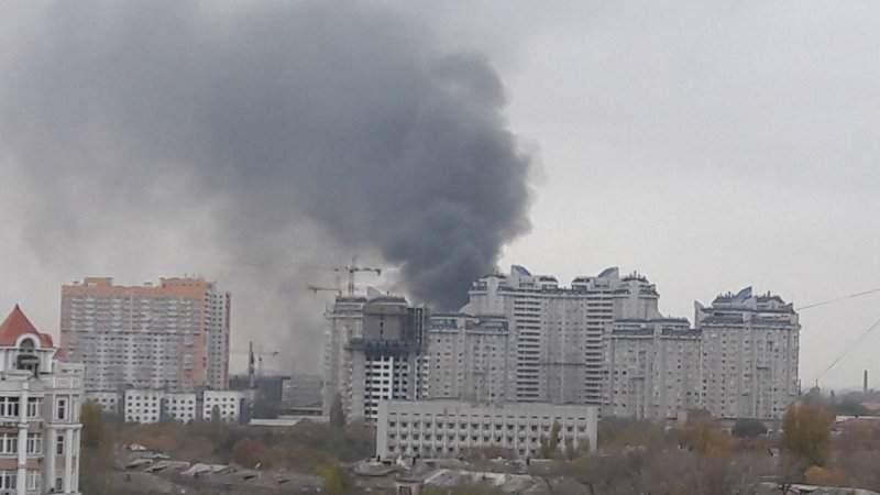 Масштабный пожар в Одессе: Черные клубы дыма видны со всех точек города (Видео)