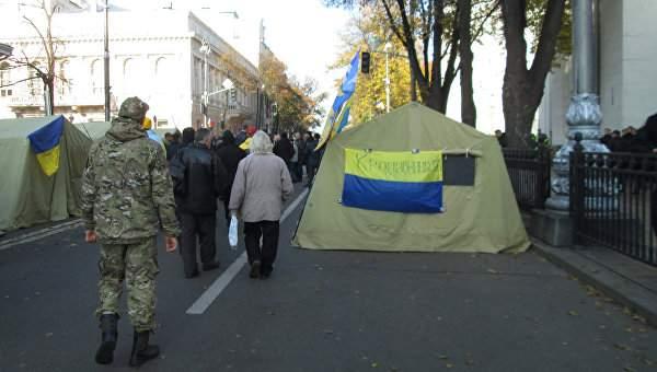 В Киеве заминировали палаточный городок. Эвакуировано 400 человек