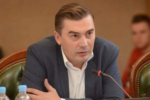 Добродомов обвинил Порошенко в узурпации власти