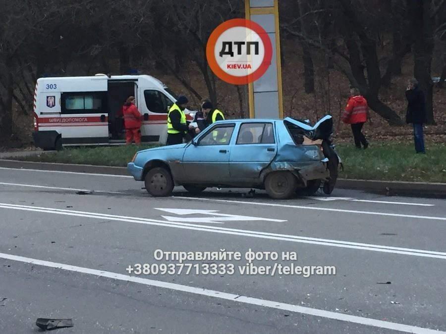 На Киевщине произошло тройное ДТП. Есть пострадавшие (Фото)