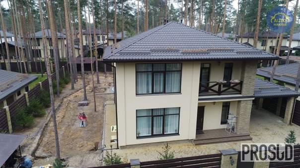Прокурор Ливочка успел построить шикарный дом за два дня