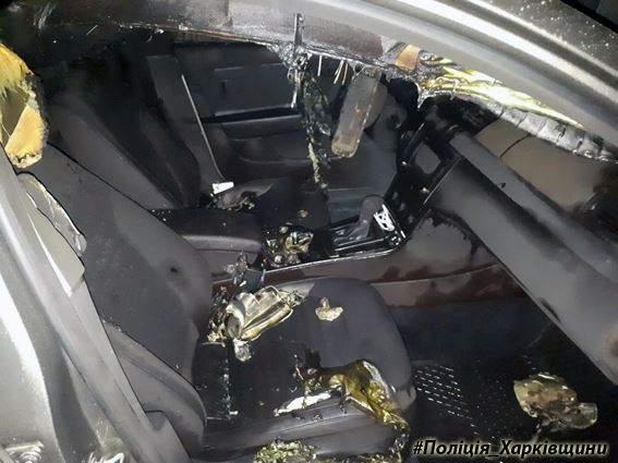 В Харькове злоумышленники подожгли 4 автомобиля (фото)