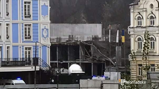 В Киеве на стройке произошел обвал (Фото)