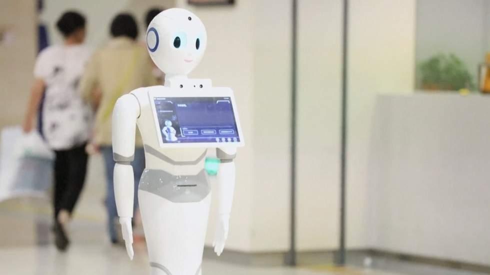 Робот успешно сдал экзамены по медицине (Видео)